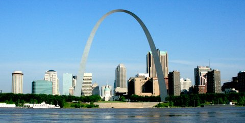 Le centre-ville de St. Louis et la Gateway Arch (photo CC Flickr/Jefferson National Expansion Memorial-NPS)