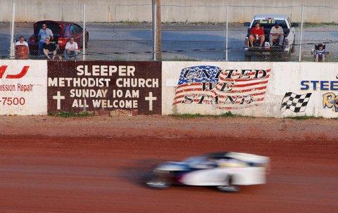 Les courses du samedi soir sur l'I-44 Speedway.