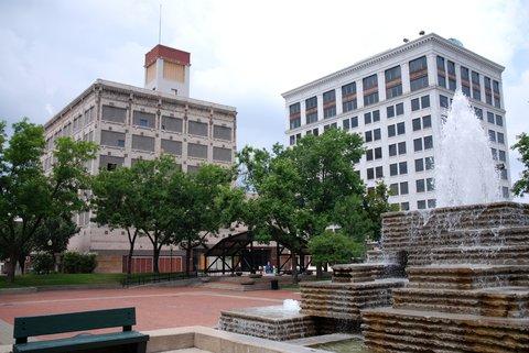 Le centre-ville de Springfield est déserté, ses immeubles abandonnés.