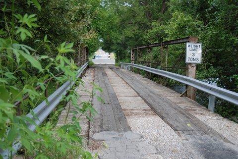 Un vieux pont désaffecté sur un ancien tracé de la Route 66 près de Catoosa.