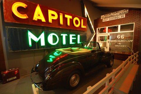 Le Route 66 Museum de Clinton, OK.
