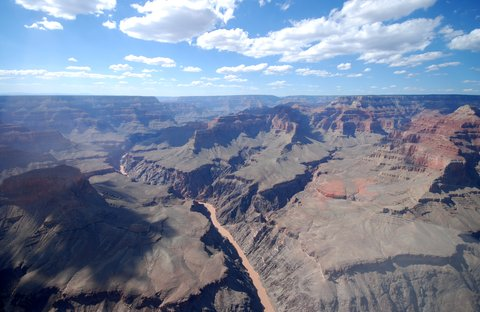 Le Grand Canyon. Tout en bas, c'est le Colorado !