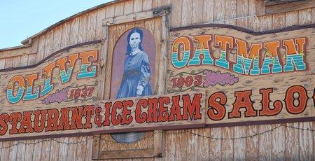 L'effigie d'Olive Oatman est partout dans la ville.