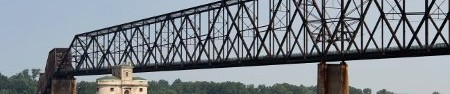 Old Chain of Rocks Bridge (photo CC flickr/cmh2315fl)