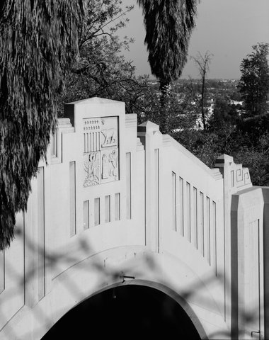 Détail des bas-reliefs du tunnel de Figueroa Street, sur l'Arroyo Seco Parkway (© Library of Congress)