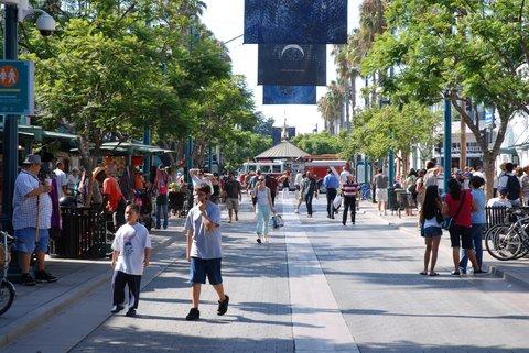 La rue piétonne de Santa Monica.