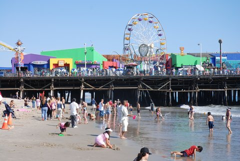 La plage et la jetée de Santa Monica.
